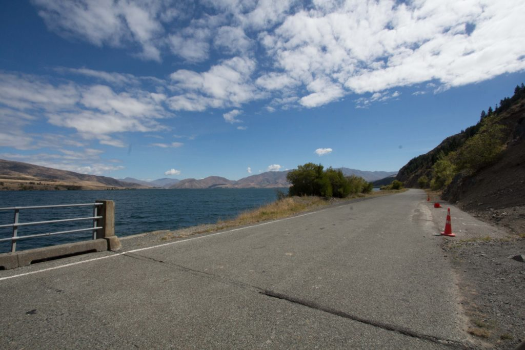 Alps 2 Ocean Cycling Holiday - Day 4 - the road beside Lake Aviemore